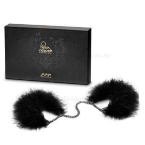 Za Za Zu Feather Handcuffs Box   Bijoux